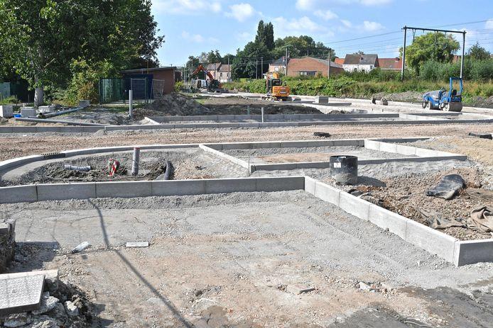De aanleg van de parking in de Gasstraat vordert goed.