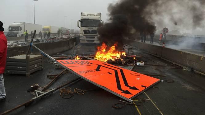Les 17 militants de la FGTB condamnés à des peines avec sursis et des amendes pour l'action de blocage du pont de Cheratte