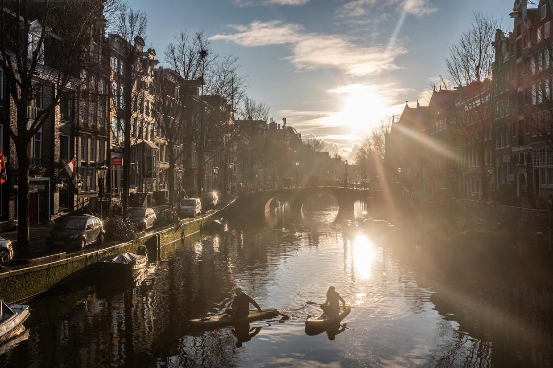 Nieuwjaarsdag begint schoon en zonnig in Amsterdam. Beeld Joris Van Gennip