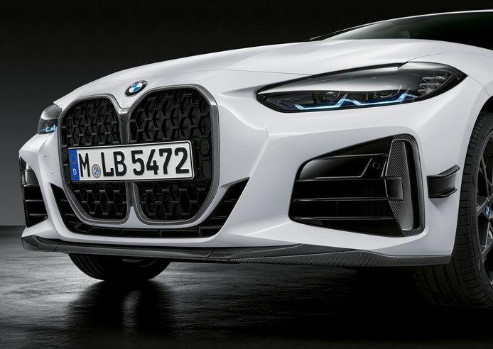 BMW biedt (zoals hier op de nieuwe 4-Serie) één neus aan, die je wel naar eigen smaak kunt aankleden met pakketten