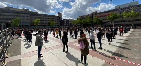 LIVE | Honderden demonstranten tegen racisme op het Stadhuisplein in Eindhoven