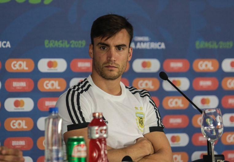 Nicolás Tagliafico bij de persconferentie voor het duel met Colombia. Beeld BSR Agency
