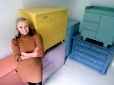 Susanna verandert oude kastjes in eyecatchers: 'De kunst is kasten vinden waarvan niemand de waarde ziet'