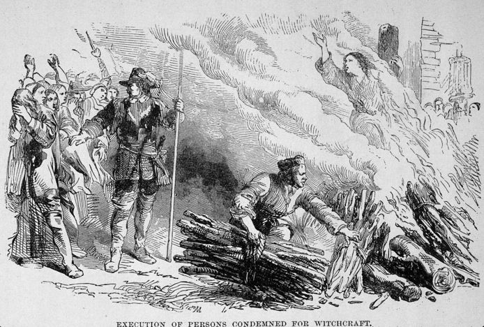 Une femme accusée de sorcellerie et condamnée au bûcher (gravure d'illustration)