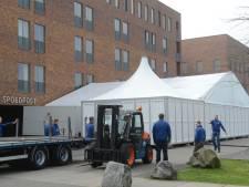 Ziekenhuis zet tent neer om 'vloedgolf' aan nieuwe coronapatiënten op te vangen in Uden