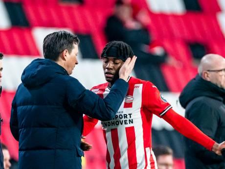 De clubdokter van PSV is dit seizoen de hond die achter zijn eigen staart aanrent