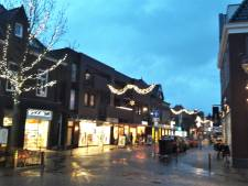 Nieuwe kerstverlichting in centrum Kaatsheuvel brandt tot begin februari