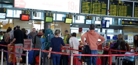 Groep Nederlanders vast op Canarische Eilanden: 'Passagiers in de kou laten staan'