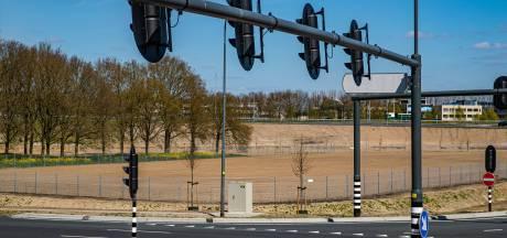 Zon mag extra hard gaan schijnen in Deventer: mini-zonneparkje op komst langs de A1