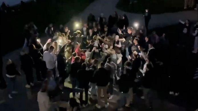 screenshot van de feestende jongeren, woensdagavond