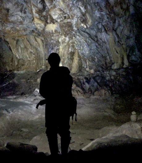 Franse grotbewoners geven eerste teken van leven: 'Het is heel erg zwaar'