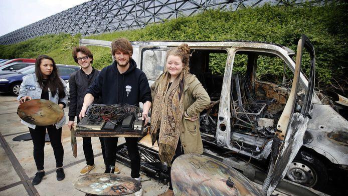 DebBand Royal Engineers verliest alle instrumenten bij autobrand