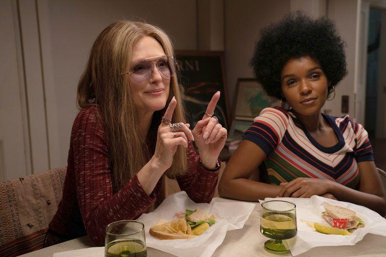 Julianne Moore en Janelle Monáe in 'The Glorias' Beeld Humo