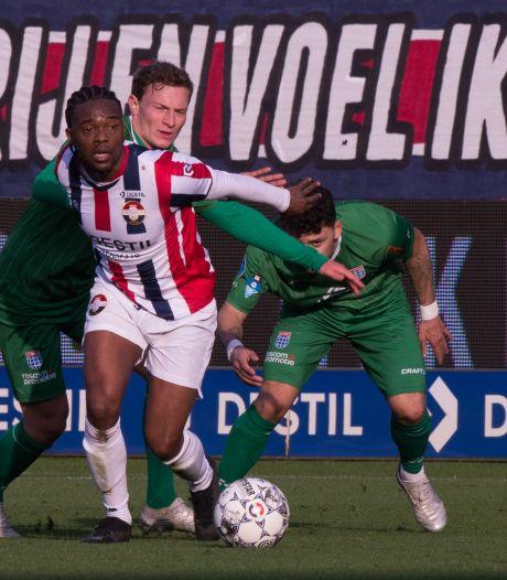 Miquel Nelom tekent zijn nieuwe contract