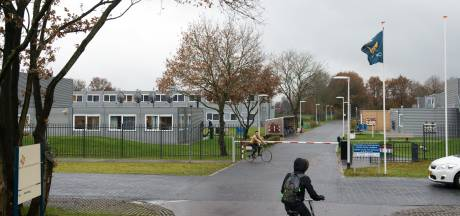 Openhouden azc Hardenberg opeens ter discussie: 'Overlastplegers horen in Budel of Ter Apel, niet hier'