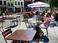 Het loopt nog niet storm op Utrechtse terrassen; 'Al die coronaregels schrikken af'
