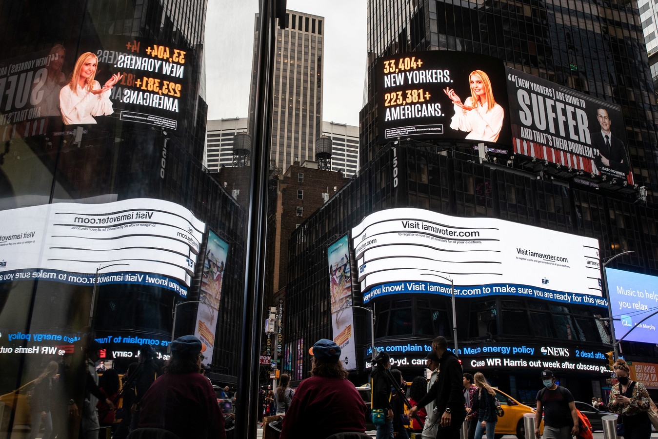 De spraakmakende reclameborden op Times Square in New York.