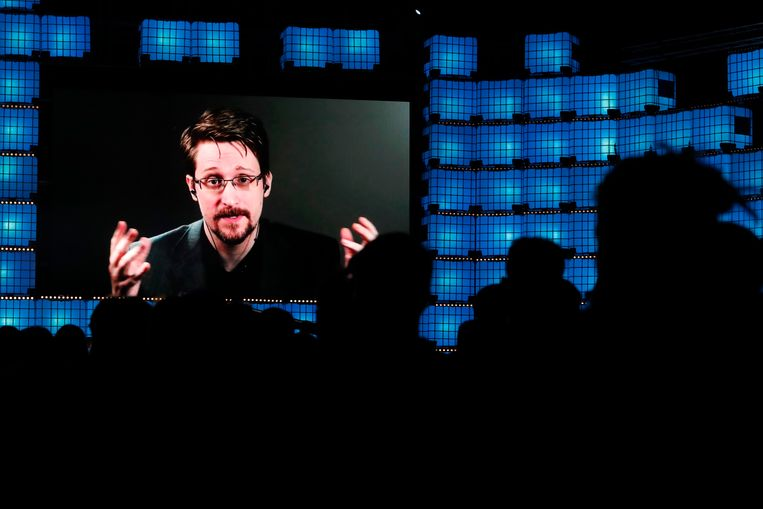 Edward Snowden tijdens een webinar in Lissabon, op 4 november 2019. Beeld AP