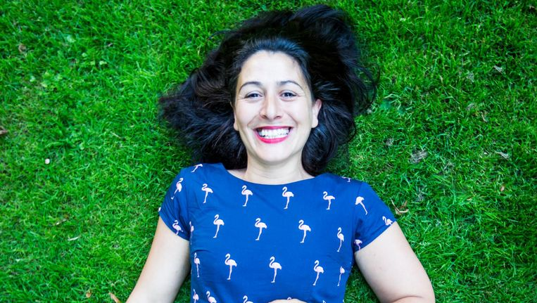 Touria Meliani: 'Cafés waar één leeftijdsgroep en één soort mensen komt zijn gewoon heel saai' Beeld Eva Plevier