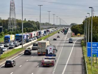 197 km/u op snelweg met zieke oom: 2 maanden rijverbod en boete