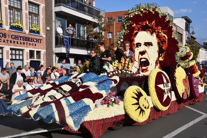 Het Corsocomité hoopt dat er dit jaar weer bloemenwagens door Sint-Gillis kunnen rijden.