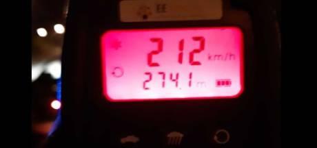 Beschonken snelheidsduivel scheurt met 212 km/u over snelweg; politie zet achtervolging in
