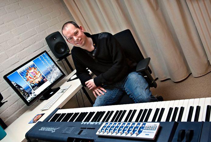 Mark Kuijpers schreef ook al eens de muziek voor de schoolmusical 'Voor kids gaat de zon op'.