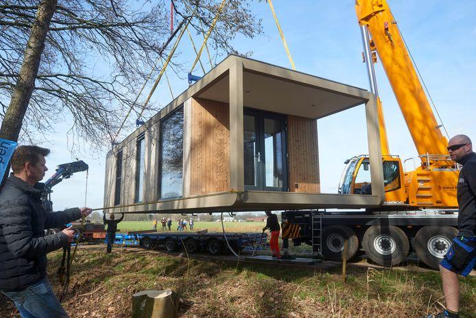 Het eerste tiny house in Zeeland als aanzet voor het Peel Natuurdorpen project.