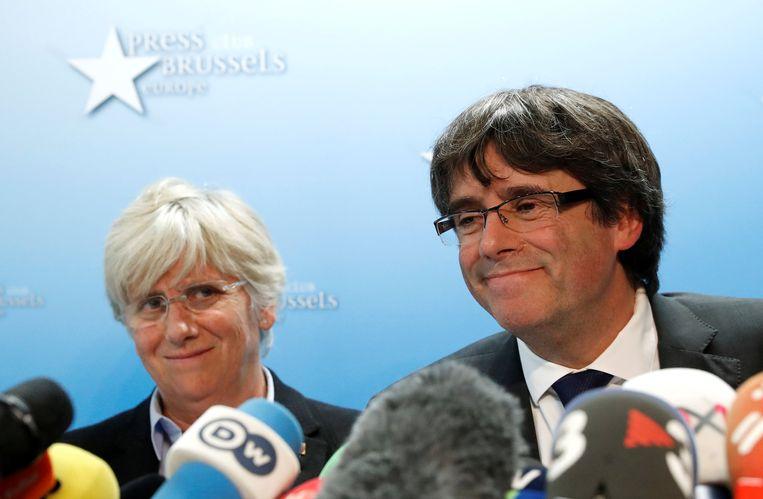 Puigdemont (rechts) in oktober in Brussel. Beeld REUTERS