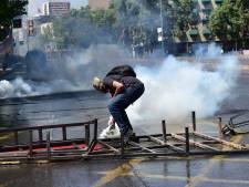 Deux morts dans les émeutes au Chili, selon un bilan revu à la baisse