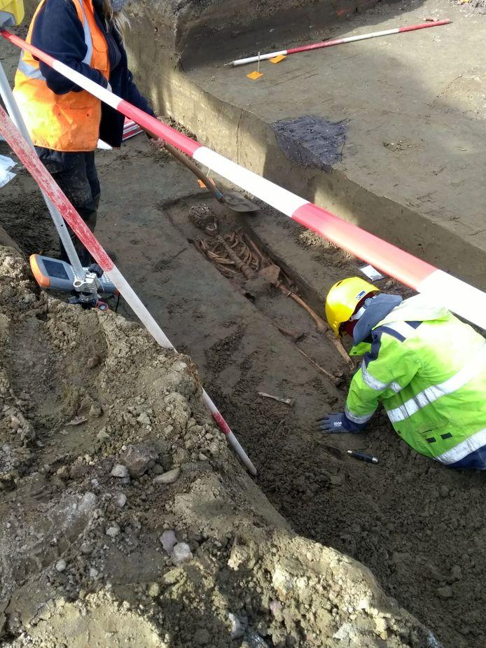 Half februari werd er in de Lierse Ros Beiaardstraat een eeuwenoud skelet ontdekt.
