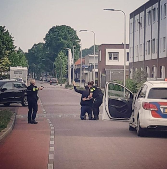 De politie hield in totaal twee verdachten aan in Zutphen.