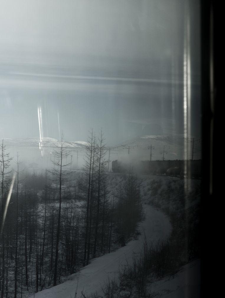 Vanuit de BAM-trein is het uitzicht over het Siberische landschap soms adembenemend.  Beeld Fabian Hahne