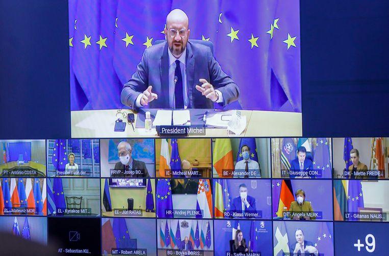 Voorzitter van de Europese Raad Charles Michel donderdag met de Europese regeringsleiders in een videobijeenkomst. Beeld EPA