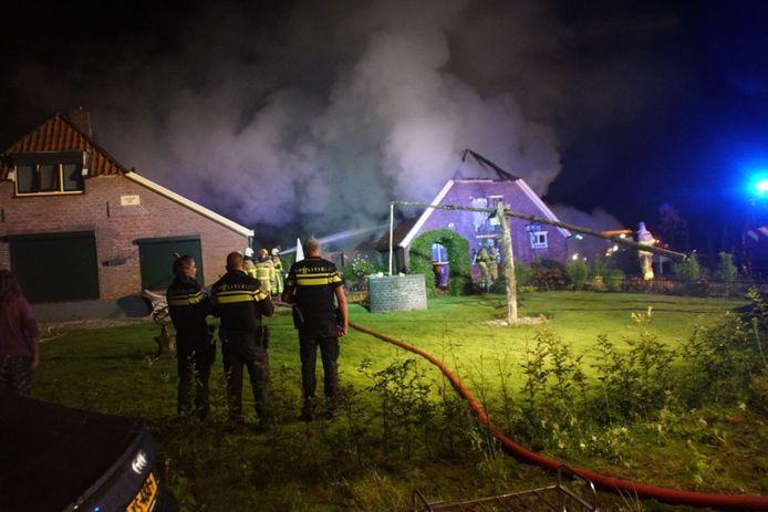 Een schuur is volledig uitgebrand in Ruurlo.