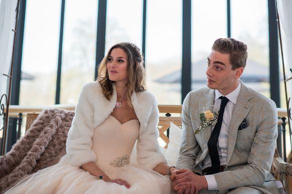 Charissa en Arno beleven hun sprookjeshuwelijk.