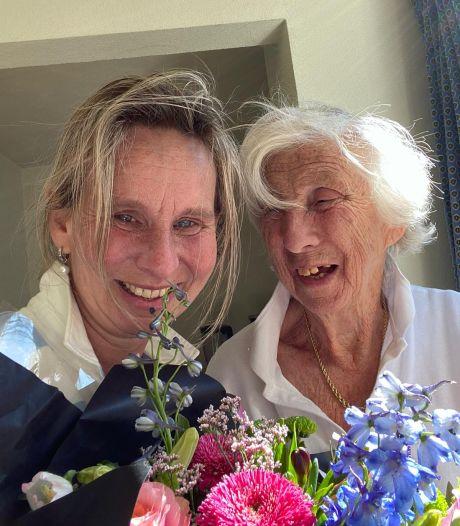 Moeder en dochter blijven samen na vertrek uit verpleeghuis: 'Voelt als de enige juiste beslissing'