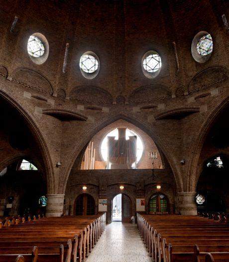 'Hoog tijd dat we met elkaar in contact komen': Jacobuskerk Enschede wandelt naar Jacobuskerk Lonneker