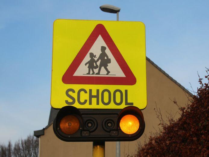 school verkeersbord waarschuwingsbord