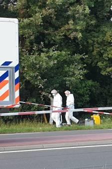 Dode persoon in berm Nijmegen: politie zet vandaag het onderzoek voort