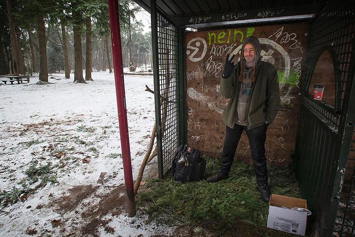 Twan van Schaijk slaapt in de bossen in Deurne
