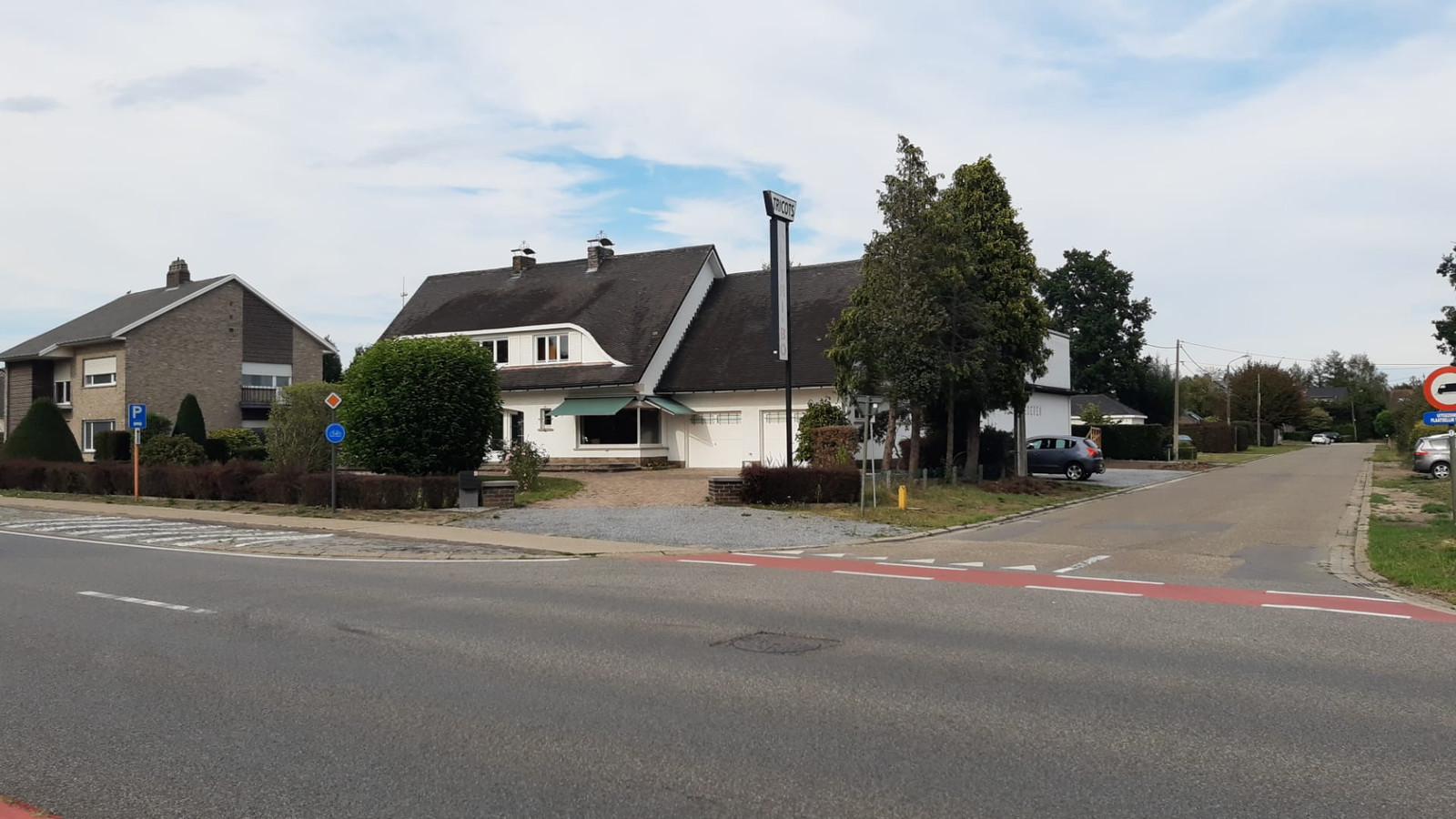 De moskee wil verhuizen naar een nieuwe locatie op de Borgerhoutsendijk.