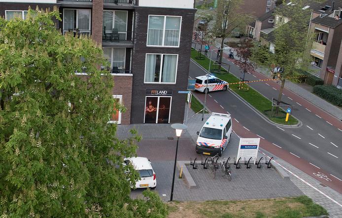 Een gedeelte van de Weverstraat in Gennep is sinds 20.00 uur vanavond afgesloten.