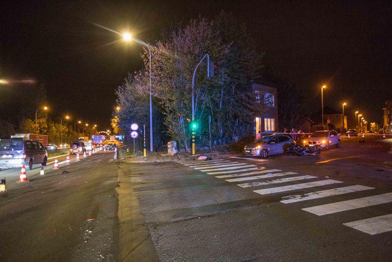 Het ongeval gebeurde op het kruispunt van de A8 met de Rodenemweg.