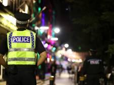 Britse moeder (84) en zoon (60) zitten wekenlang dood op bank