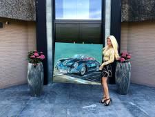 Grommende Porsche-motor inspireert Twentse schilderes Tanja Stadnic