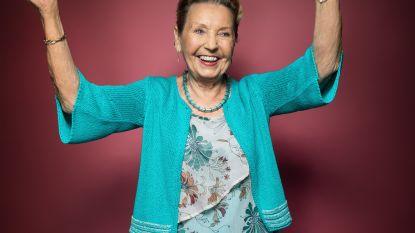 """Het opmerkelijke verhaal van de 84-jarige Amanda: """"14 operaties voor borstkanker, maar ik bleef fotomodel"""""""