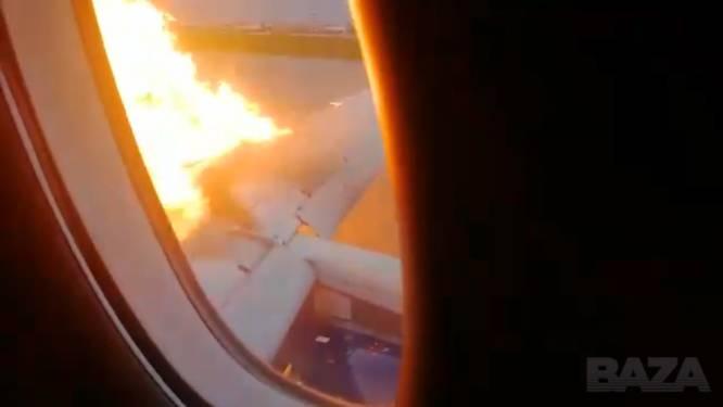 """Passagiers filmen paniek tijdens noodlanding Russisch vliegtuig en danken personeel voor """"heldendaad"""""""