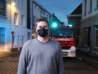 Buurman Jonas (42) redt samen met omstaanders zes bewoners uit brandend appartement via dak van camionette