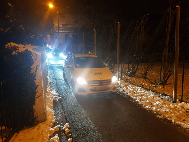 De taxichauffeurs begonnen al vroeg met hun actie en stromen toe in het dorp van minister Ben Weyts.
